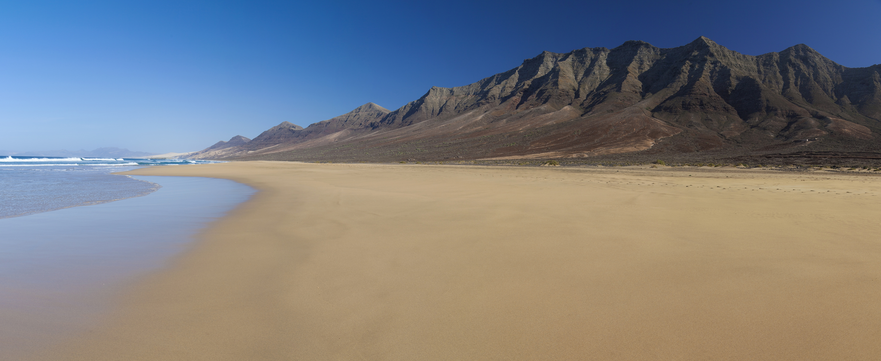 Photography of travel: Hiking in Fuerteventura and Lanzarote